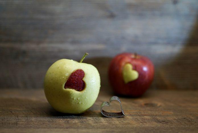 Vitaminler, sağlıklı yaşamın vazgeçilmez bir parçası olan organik bileşiklerdir. Vitaminler nelerdir.
